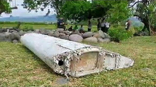 Uma peça do avião da Malasia Airlines descoberta na ilha da Reunião?